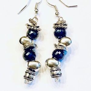 Earrings Fun Silver Beads Blue Trillion Crystals